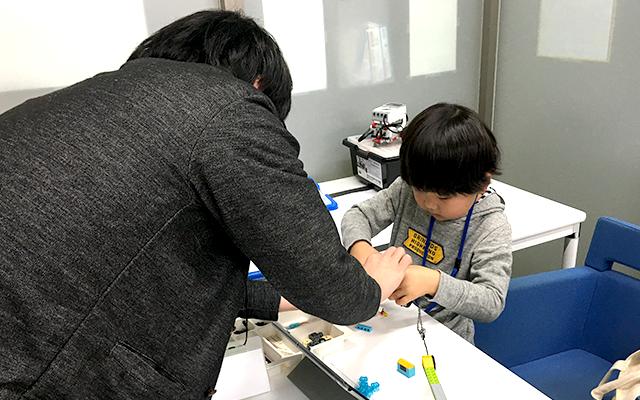12月18日LEGOプログラミングレッスンの様子02